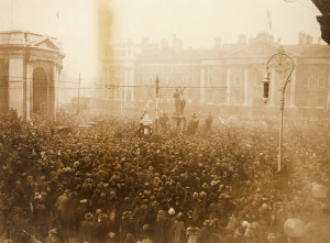 College Green 11 November 1924. Large numbers still showed up to remember even though the IFS had been founded